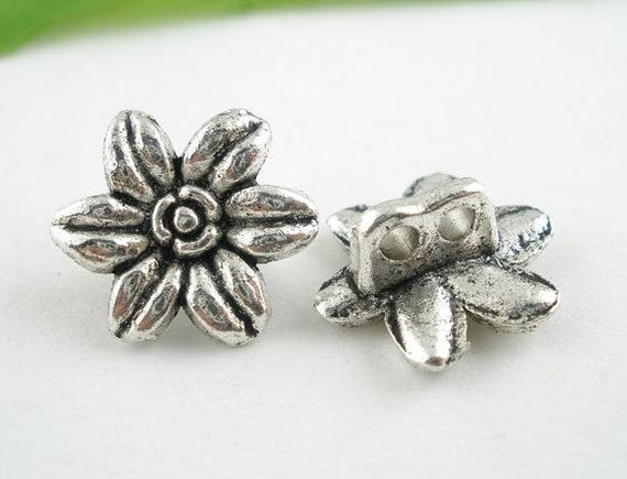 Set of 4 metal flower buttons