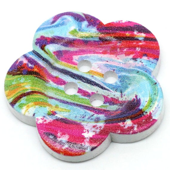 2 BBFL3729 - 37 mm flower pattern wooden buttons