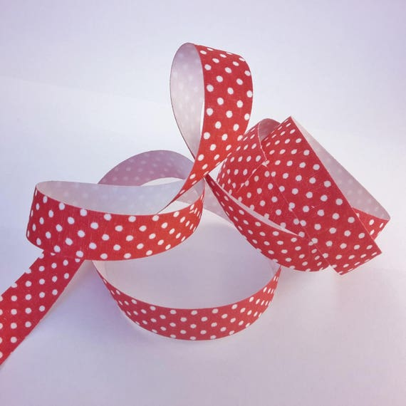 R - Tape on a red background with white polka dots - 10 mm wide - 2 meters