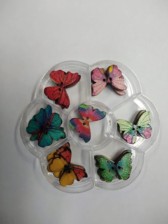 Butterfly - assorted wood buttons