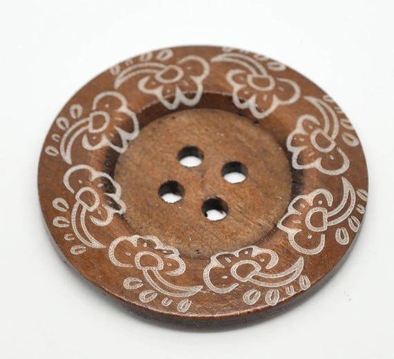 BB60105 - 2 wooden buttons large size 6 CM