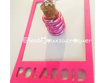 Pink necklace vial with aluminum wire