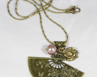 Beautiful Pearl Necklace bronze plated large fan pendant