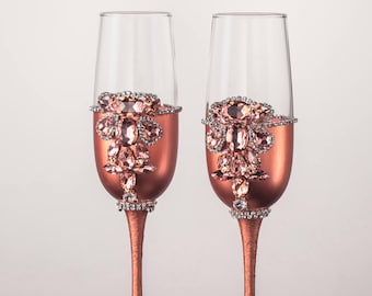 Rose gold wedding glasses Wedding flutes Toasting glasses Champagne flutes Champagne glasses Toasting flutes Mr and Mrs glasses Custom