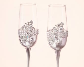 Silver wedding glasses wedding flutes Rhinestones toasting glasses Wedding gift for couple Engagement glasses Champagne flutes