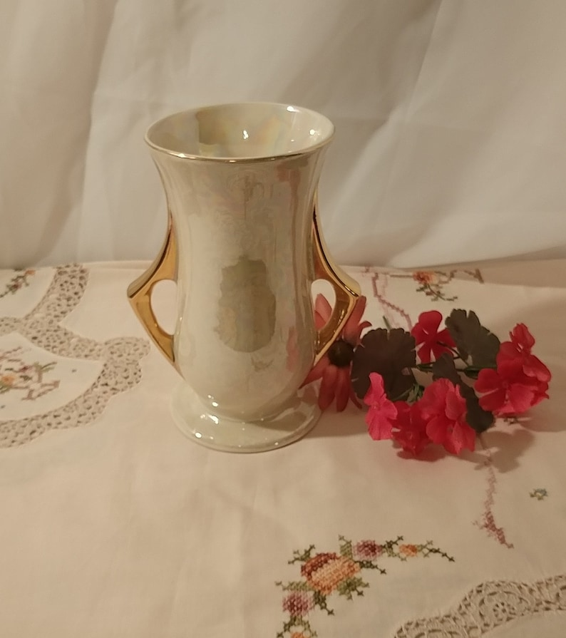 Vintage Pearl China Company Art Deco Pearlescent Opalescent Glazed Vase with 22K Gold Handles; Vintage Pearl China Art Deco Vintage Vase