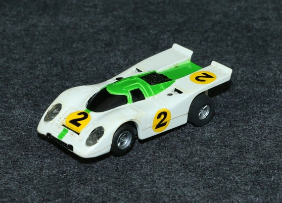 Aurora AFX #1902 HO Slot Cars Magna-traction AMX Porsche 917 White Green  Stripe