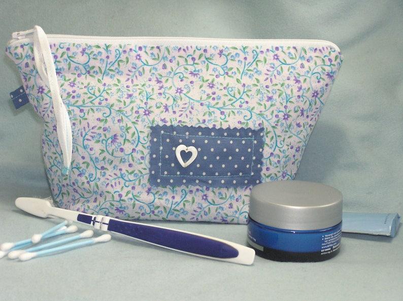 Blue and white liberty toilet kit