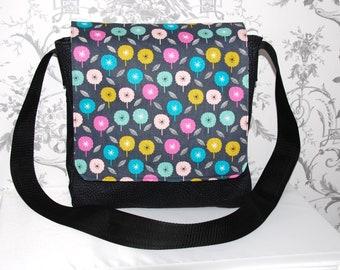 3e17c6a93cf9 Black Messenger Bag