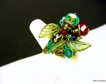 Emerald red bouquet ring