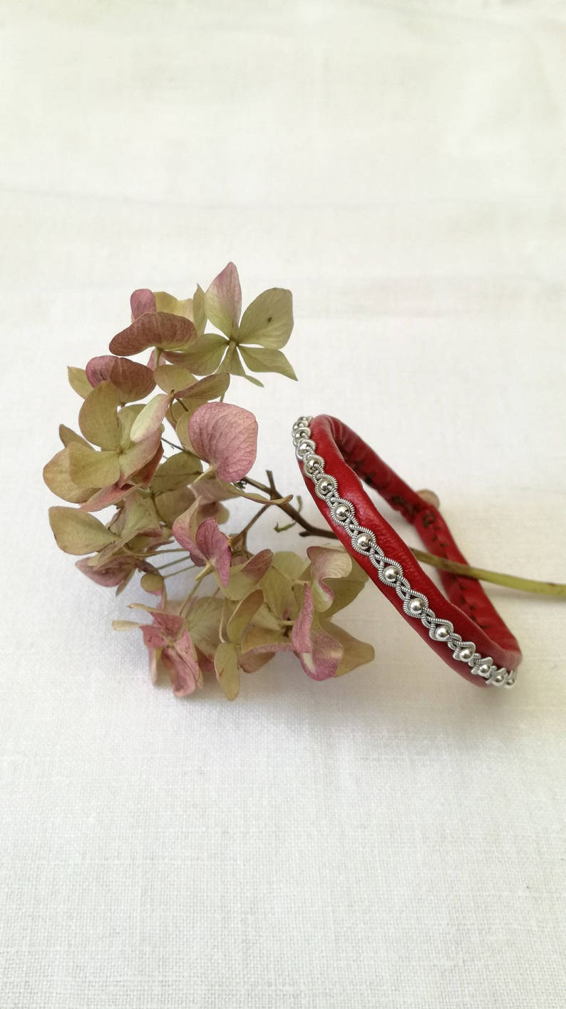 elven chic boho Bohemian traditional jewelry Fine red leather Sami bracelet wire Tin Silver pearls silver 925 Silver