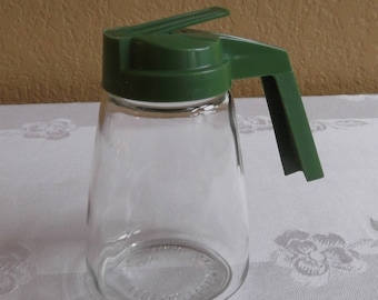 Federal Housewares Syrup Pitcher; Green Plastic Top