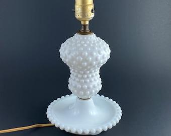 Vintage Hobnail Table Lamp / White Hobnail Glass Lamp / White Bedside Lamp / Hobnail Accent Lighting / Farmhouse Cottage Shabby Style Lamp