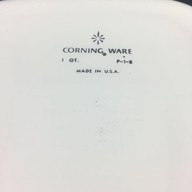 Vintage Cornflower Corning Ware Casserole Dish P 1 B with Lid A7C Vintage Corning Ware P1B Casserole A7C Pyrex Lid Vintage Cornflower