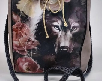 Wolf and flowers pattern bag
