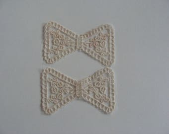 2 embroidered applique bow tie on tulle cream 8.5 cm wide