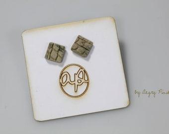 Square in ecru and grey ceramic earrings
