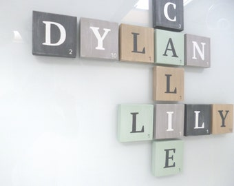 Giant scrabble letter, wooden letter, patinated wood, pastel colors, retro letter, first name letter, wall decoration, Patoche model