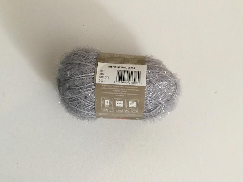 Knit Oyster Yarn Rare 100/% Acrylic Crochet Red Heart Scrubby Sparkle