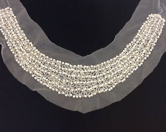 COLLAR Pearl and seed Pearl mounted on tulle