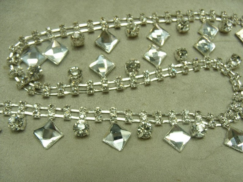 Ribbon rhinestone motif diamond hat necklace 2.4 cm and drop round perfect for the customization of garment jewelry...