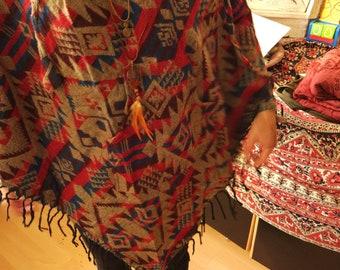 9af33a9eeb5fab Poncho mit Kapuze in Beige Rot Blau  ~Goa~Hippie~Boho~Festival~Psy~Ethno~Vintage~Indian~Yoga~Herbst~Winter