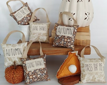 Thanksgiving print midi pillows are great for your farmhouse fall decor. Use them in tiered trays & vignettes or hang on a peg, knob, etc.
