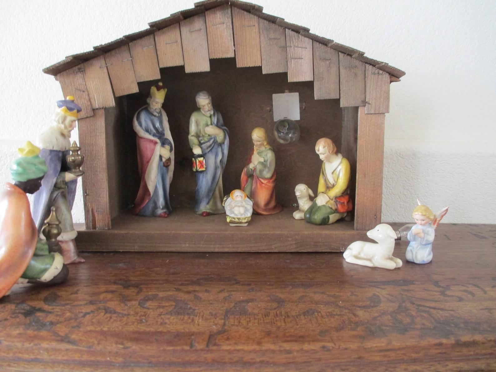 Rare Vintage Goebel Hummel Christmas Manger Nativity Scene w/ Lighted Manger Germany SUPER SALE!!!