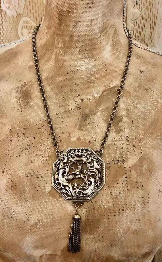 Vintage Lisner Lion Filagree Necklace