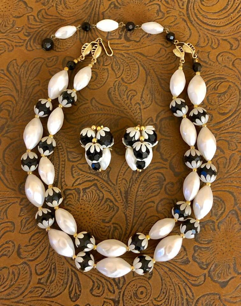 Vintage Deauville Double-Strand Beaded Choker and Earring Set B      851