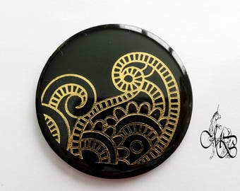 Round cabochon 50 mm flat resin metal application