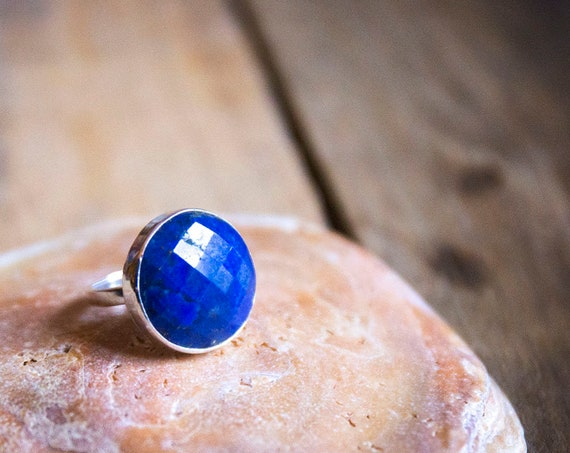 Sterling silver faceted lapis lazuli ring, size N 1/2 (UK) 7 (US)