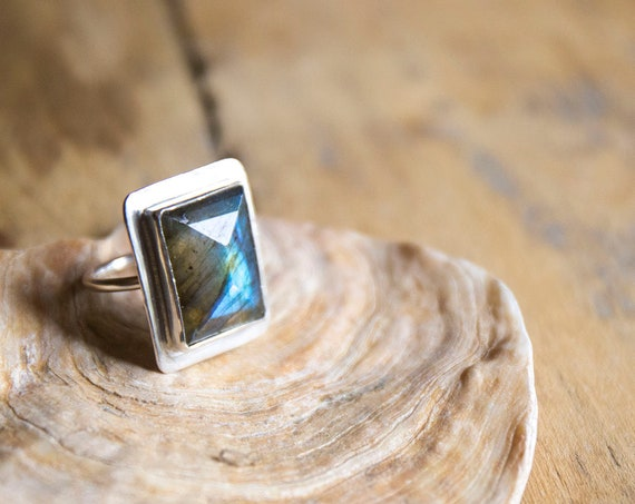 Sterling silver labradorite ring, size Q (UK) 8.5 (US)