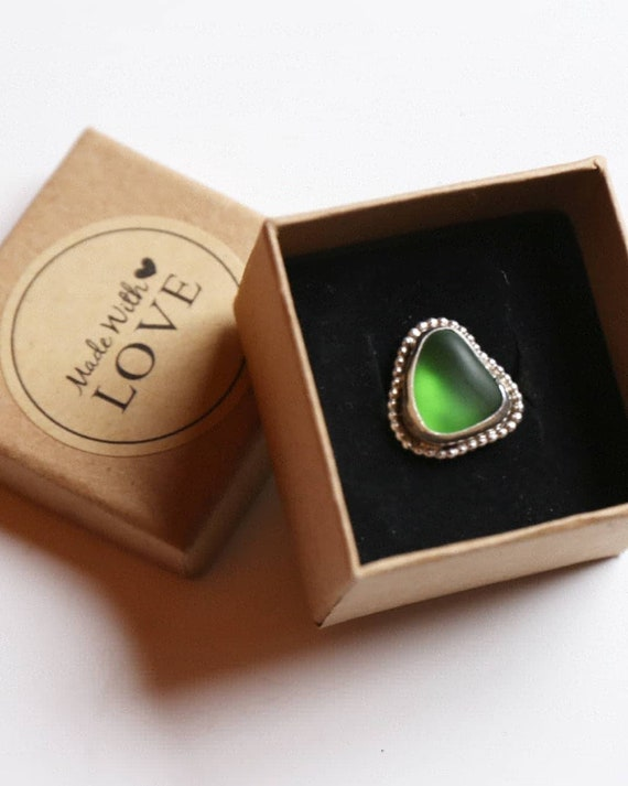 Sterling silver bright green delicate seaglass ring, size M (UK)