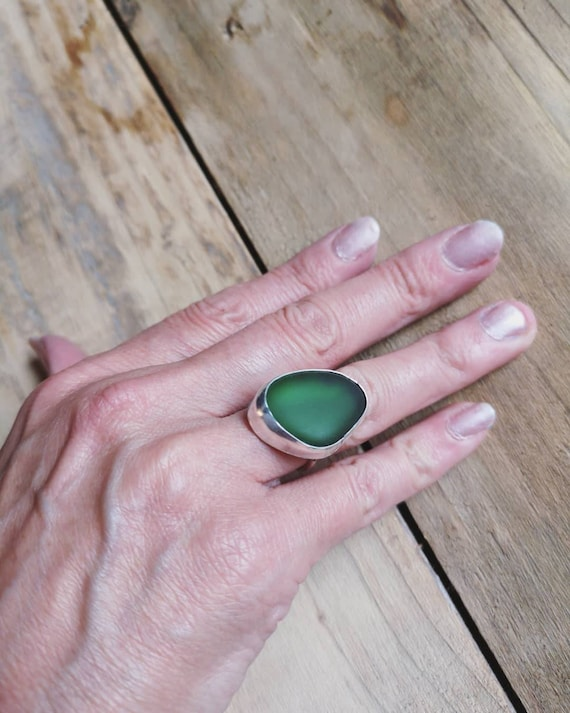 Sterling silver deep green Seaham seaglass ring, size M 1/2 UK