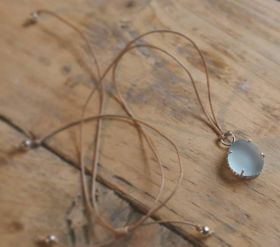 Sterling silver Seaham seaglass adjustable choker pendant necklace with sterling silver beads.