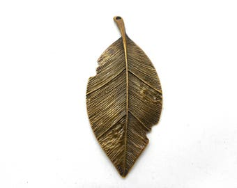 Great charm or leaf pendant bronze