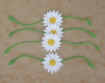 Set of 4 white and yellow daisies with green stems to crochet