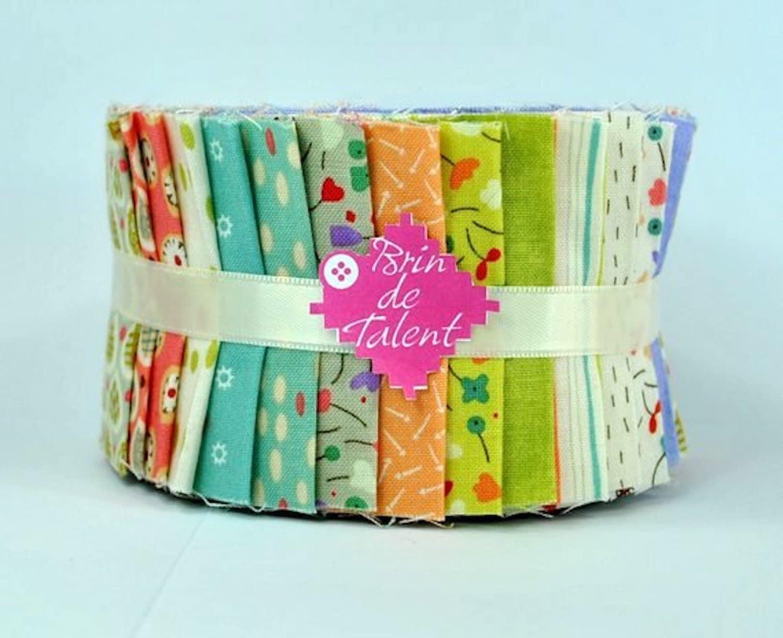 Tissus Ameublement La Rochelle quilt roll yvoire / 28 bandes de tissus petits motifs dans les tons pastels  pour patchwork et tissage / jelly roll