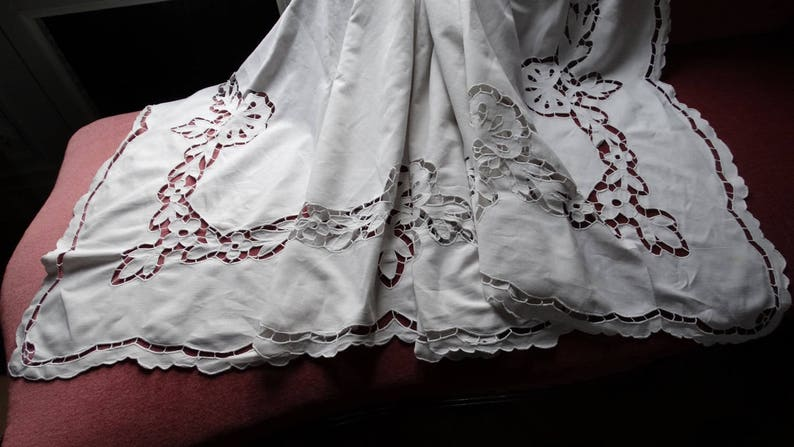 Embroidered vintage sheet Embroidery Richelieu.Grand linen sheet French vintage sheet Cloth wedding antique linen Embroidered cloth French embroidered leaf