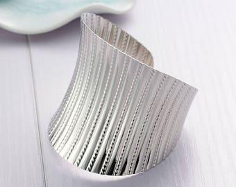 15.5 cm SC78322 trendy silver - wide Cuff Bracelet-