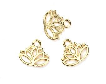 100 Charm 17x15mm SC0095867 gold Lotus Flower charm-