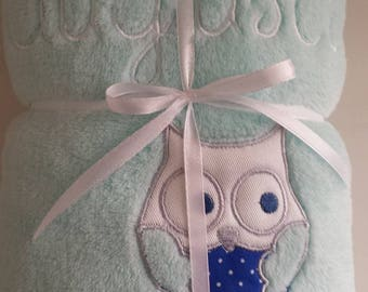 Plaid fleece baby embroidered name and OWL