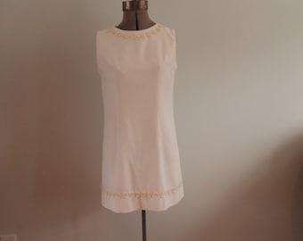 White 1960's Mini Dress with Daisy Trim