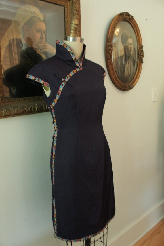 Vintage Chinese Qipao/Cheongsam Side Buttoning
