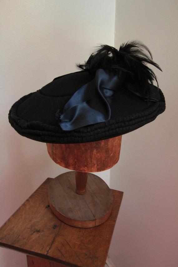 1930's Black Felt Tilt Topper Hat with Feathers