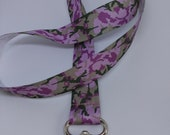 Dragonne camouflage rose