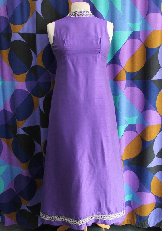 Gorgeous True Vintage Original 60s Purple Sleevele
