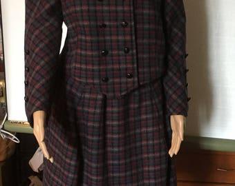 Tailleur  veste et jupe large écossais