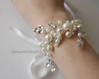 Wedding Bracelet for Bride Bridal Bracelet Crystal Bracelet Pearls Wedding Bracelet Wedding Jewelry